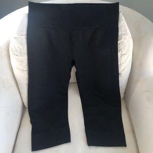 Lululemon cropped leggings, charcoal gray
